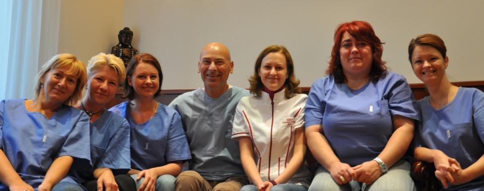 A Sikos Hajbeültetés Klinika munkatársai